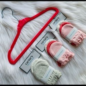 Carter's 9 pairs of Mittens. New with tags.